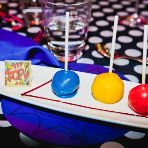 Pop art party cake pops