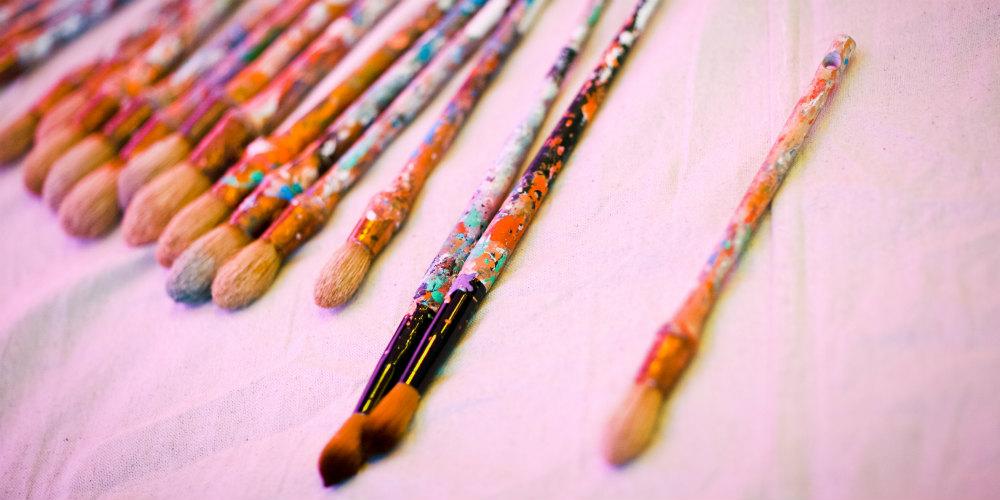 Verizon paint brushes 1000x500