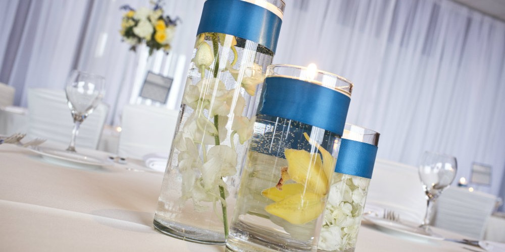 Downtown wedding flower vase centerpieces