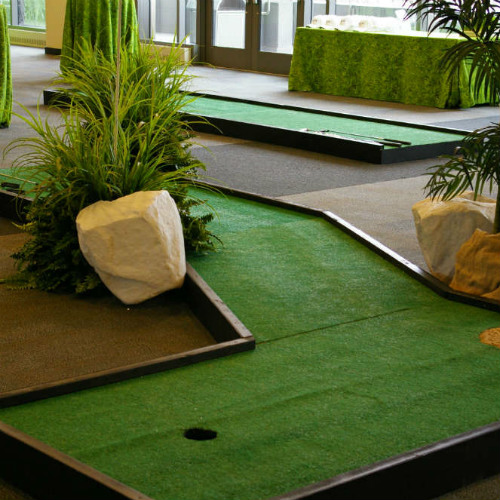 Giant Games Mini Golf 500 x 500