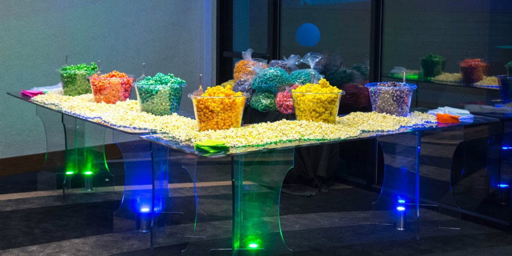 Lulavy Popcorn table