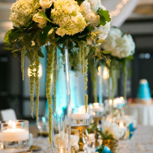 garg head table flowers