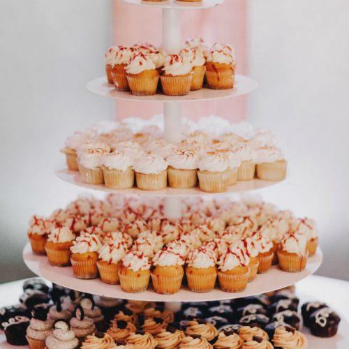 van beck cupcake stand