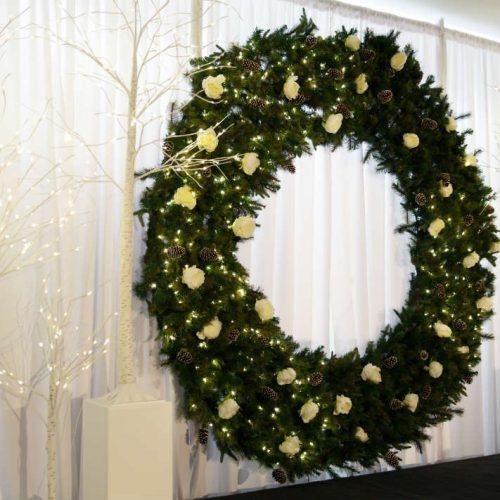 Carlson Holiday 2016 Wreath