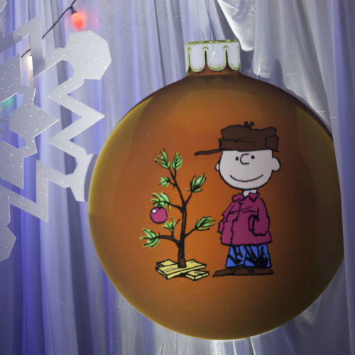 Essentia Tea Charlie on Ornament 500 x 500
