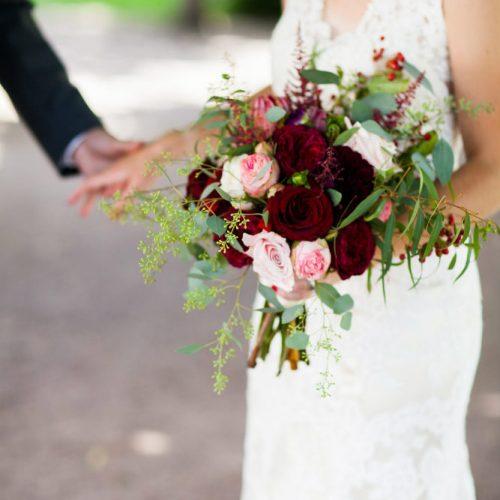 Swanson Loper bride and Bouquet