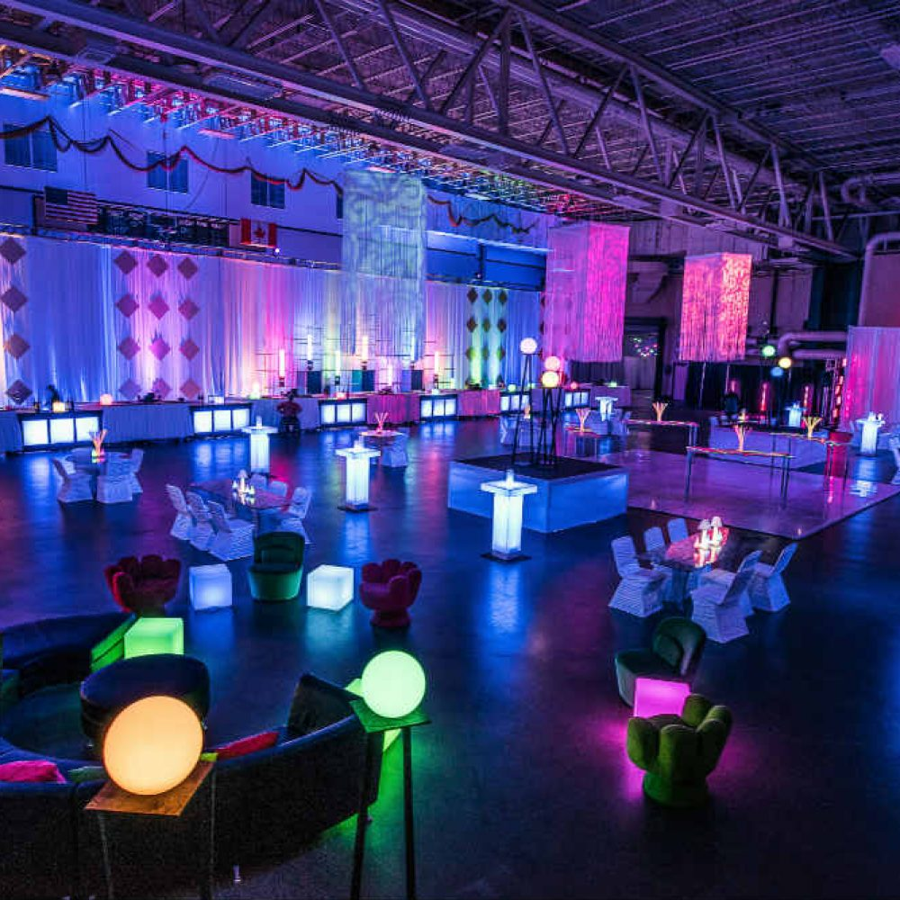 Essentia Glow Cocktail Room