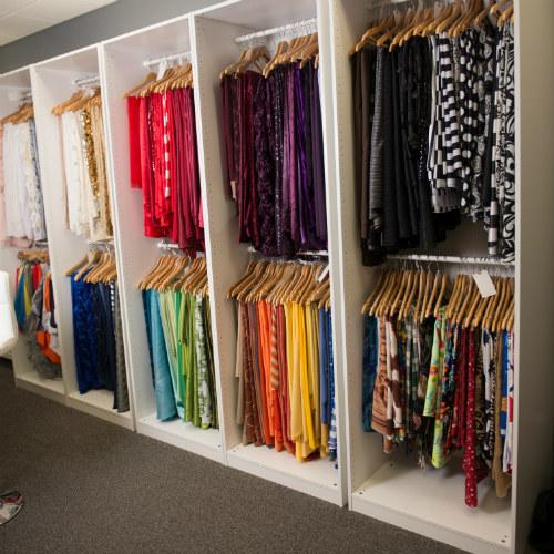 Showroom linen wall 500 x 500 1