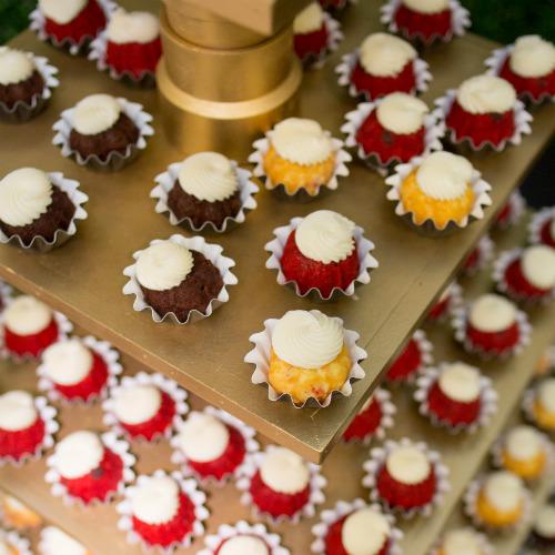 Emily and Nick Bryan cupcakes 500 x 500