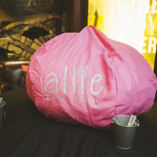 Feldman Bat pink puff pillow 1000