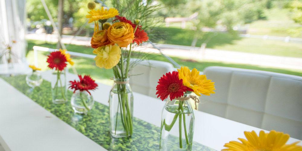 Long table centerpiece flowers