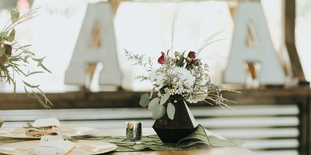 Alex and Anna Barrick table flowers