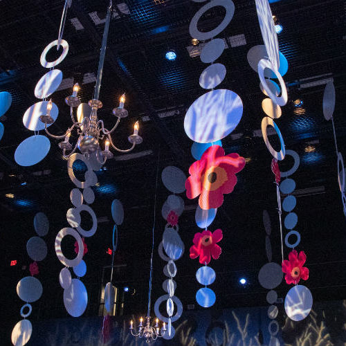 Carlson Holiday 2018 Ceiling