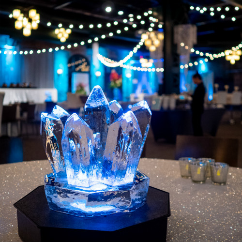 Mosaic Holiday 2018 Ice Centerpiece