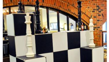 Chess Bar